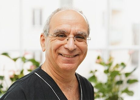 e512ba7c9d3 Ortopedi och ortopedisk manuell medicin hos Nikos Tsiaklides  Läkarmottagning i Stockholm