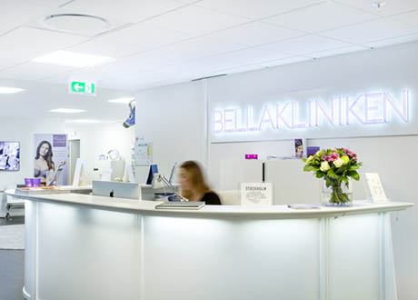 bellakliniken-reception-receptionist