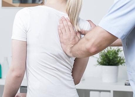 ont i nacken efter fall